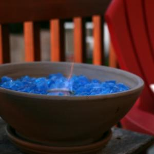 "Sometimes you don't want to build a whole ""fire pit"" adventure in your backyard, but you still want that fire factor. No problem, we found some easy DIY table top fire bowls for you that fit perfectly in any garden space! Whether you don't want to smoke out the neighbors, or you just don't have the space, fire bowls can be used on the patio any time of year. Fire is an element of nature that is a natural in a garden space, and allows you to enjoy the outdoors long after the sun goes down. Think ""campfire"" without the firewood hunting! (If you do want to go all out, learn how to build a fire pit!)  Our feature photos below show us how to make a tabletop fire pit from 'Dunn Lumber', They use easy to find gel fuel, and they even have a budget tip for the fuel at the end! All of the supplies needed you can get at most home improvement stores.