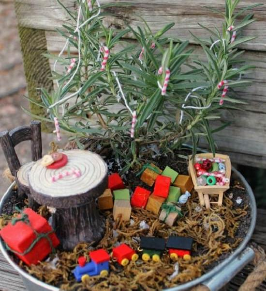 8 DIY Miniature Christmas Fairy Garden Ideas To Make In Minutes