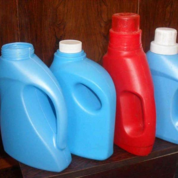 用完的洗衣液桶,咔嚓剪2刀,1年的花盆都不用买了,省大笔钱!